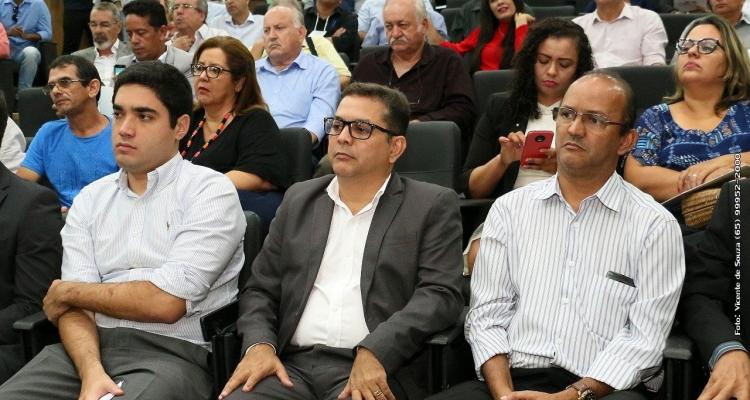 Prefeito de Aripuanã participa da 2ª Marcha dos Prefeitos em defesa dos municípios mato-grossenses