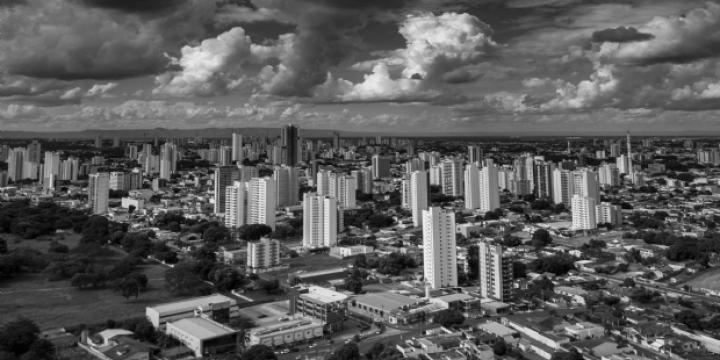 Frente fria ganha força e temperatura pode despencar para 12ºC em Cuiabá; tempestades previstas