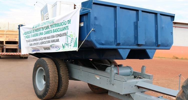 SEMDER de Aripuanã recebe caçamba hidráulica através de parceria