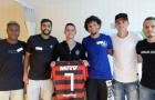 Jogadores do Flamengo visitam sobreviventes da tragédia no Ninho do Urubu