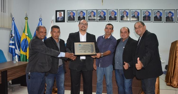 Professor Douglas Henrique recebe título de Cidadão Honorário de Aripuanã