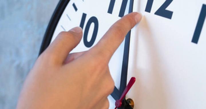 Horário de verão terminou em Mato Grosso e outros 9 Estados. Atrase seu relógio
