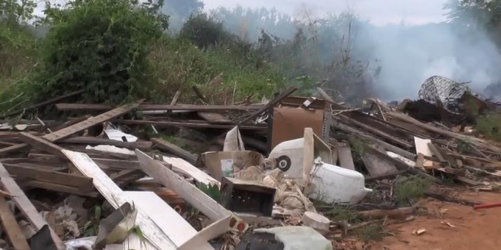 Lixo jogado a céu aberto preocupa autoridades em Juína