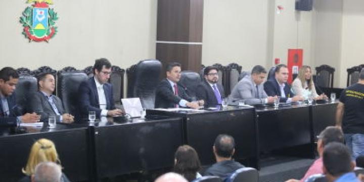 Fechamento de cadeias em Mato Grosso é contestado em audiência pública