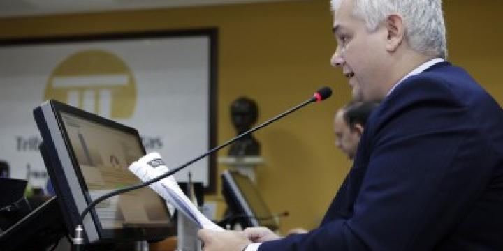 Conselheiro substituto emite alerta de LRF a três municípios