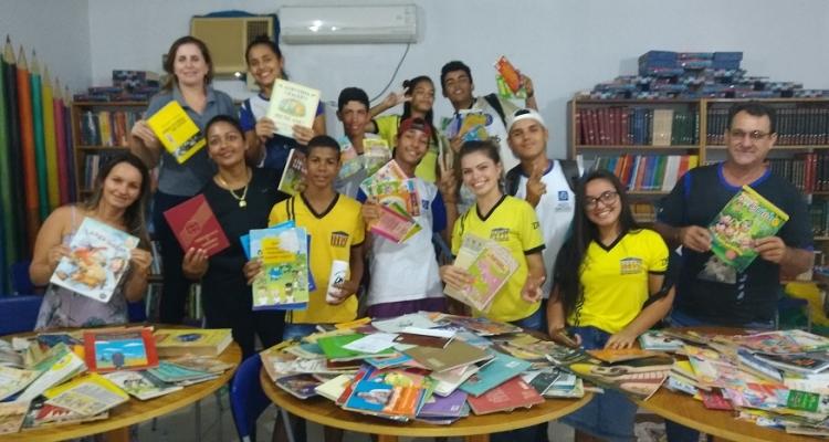 Aripuanã: Escola Dom Franco Dalla Valle revitaliza biblioteca em Conselvan