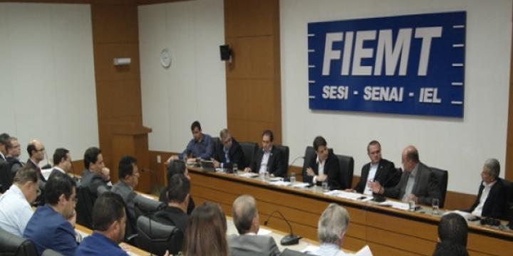 Fecomércio-MT participa de reunião com parlamentar que irá tratar da reforma tributária nacional