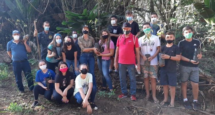 Semana do Meio Ambiente: Alunos conhecem futuro Horto Florestal Municipal