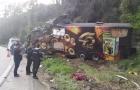 Vocalista da banda Garotos de Ouro, morre em acidente com ônibus em SC